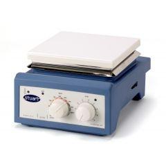 Agitator magnetic Stuart Undergrad cu incalzire si platan ceramic, 2000 RPM